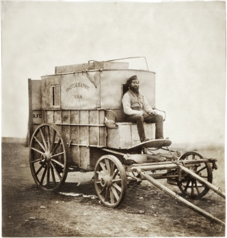 Roger_Fenton's_waggon_(retouched)